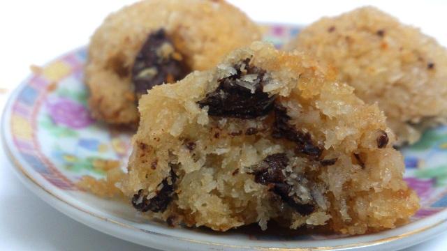 עוגיות קוקוס ושוקולד צ'יפס טבעוניות